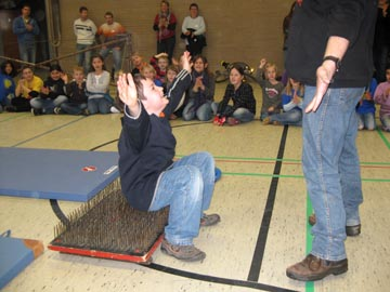 zirkuskunststuecke mit kindern